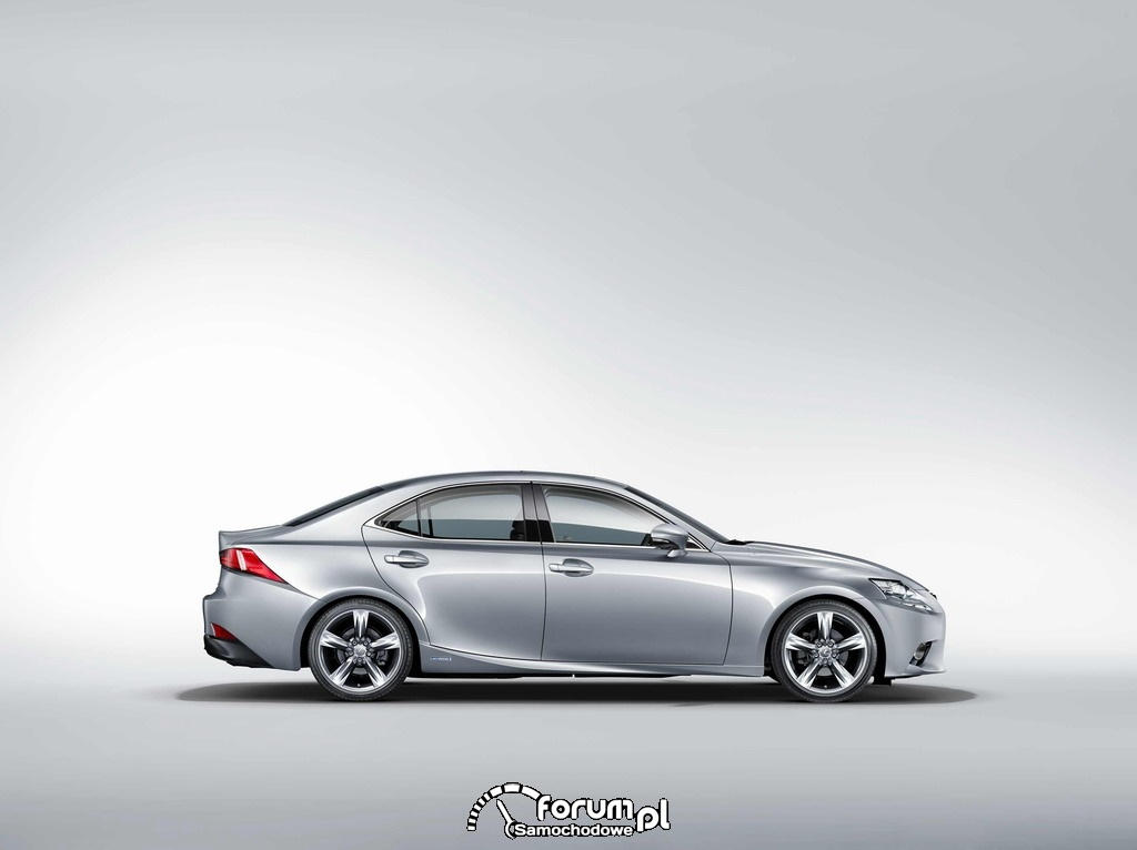 Lexus IS 300h, bok