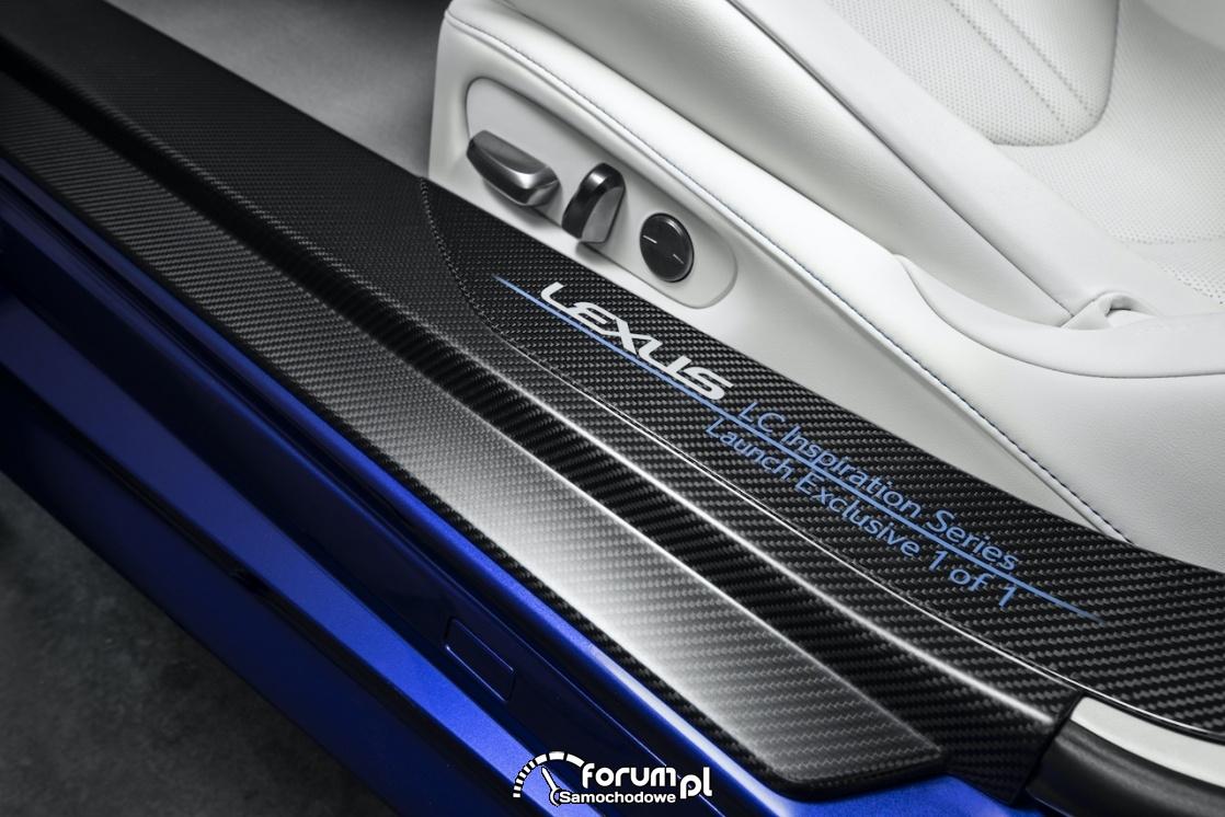 Lexus LC 500 Convertible, nakładki na progi