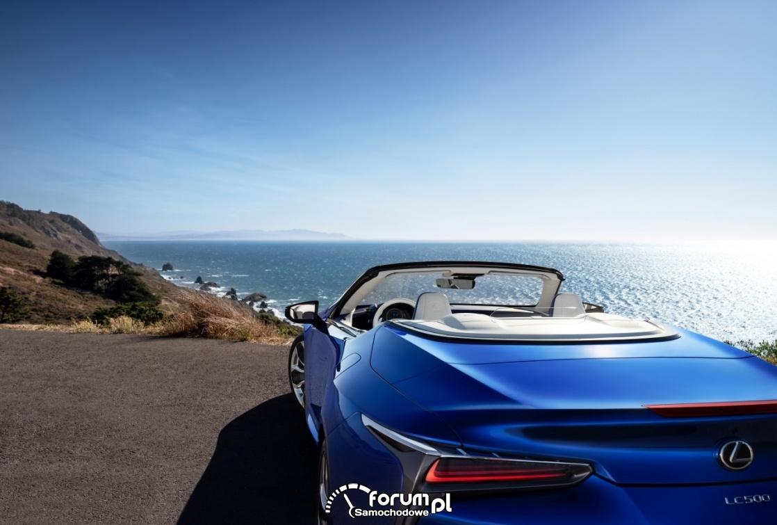 Lexus LC 500 Convertible, otwarty dach