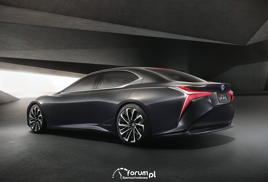 Lexus LF-FC z napędem wodorowym, tył