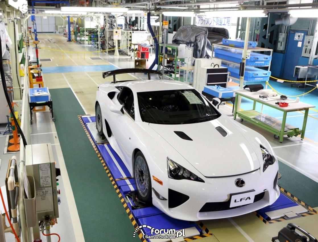Lexus LFA, linia produkcyjna