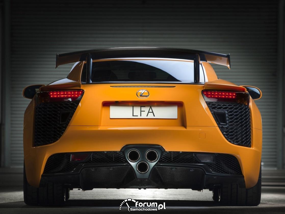Lexus LFA - tytanowy wydech