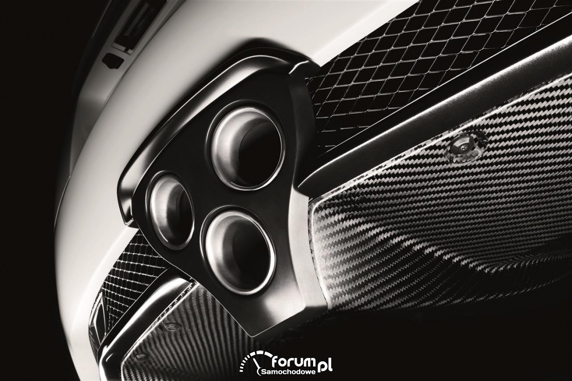 Lexus LFA, wydech