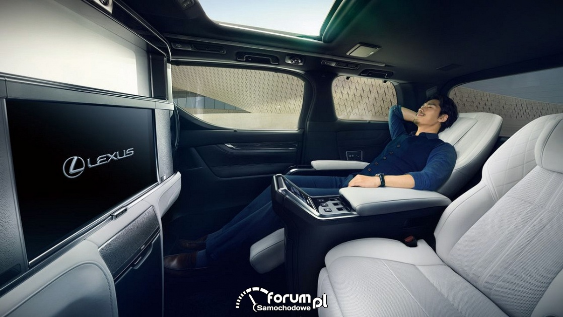 Lexus LM 300h, luksusowe tylne siedzenia