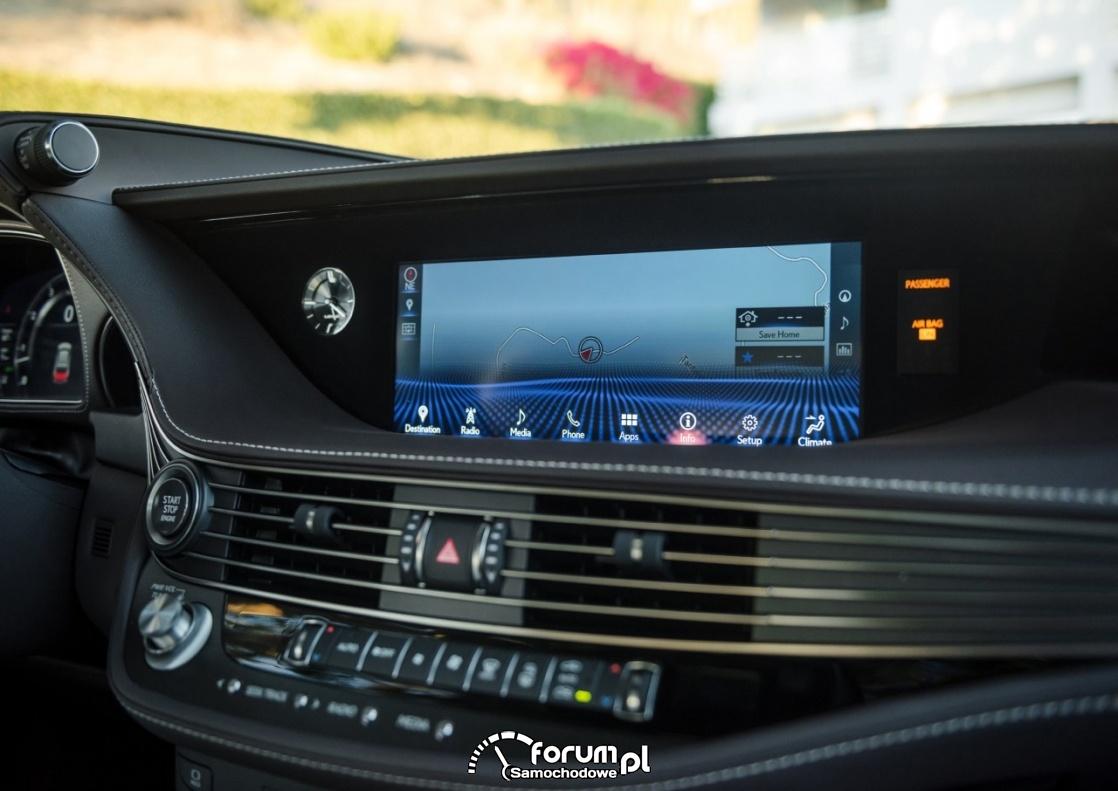 Lexus LS 500, ekran dotykowy