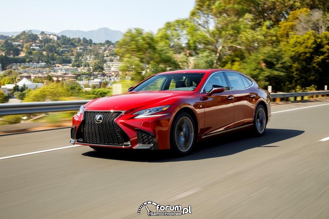 Wodorowy samochód Lexusa przyłapany na testach?