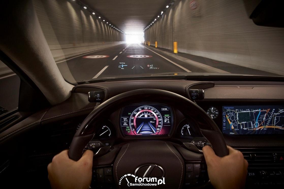Lexus LS 500h, wyświetlacz HUD