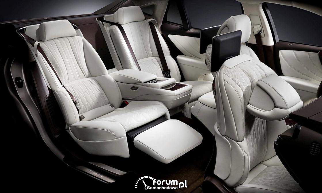 Lexus LS500h, wnętrze