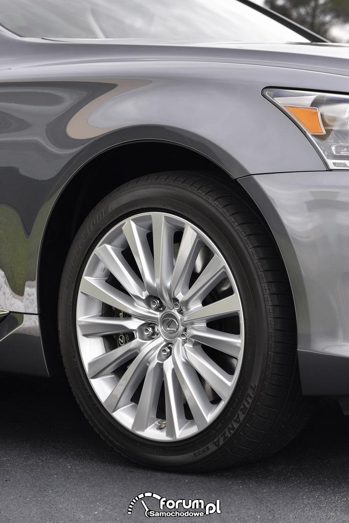Lexus LS600hL, alufelgi 19''