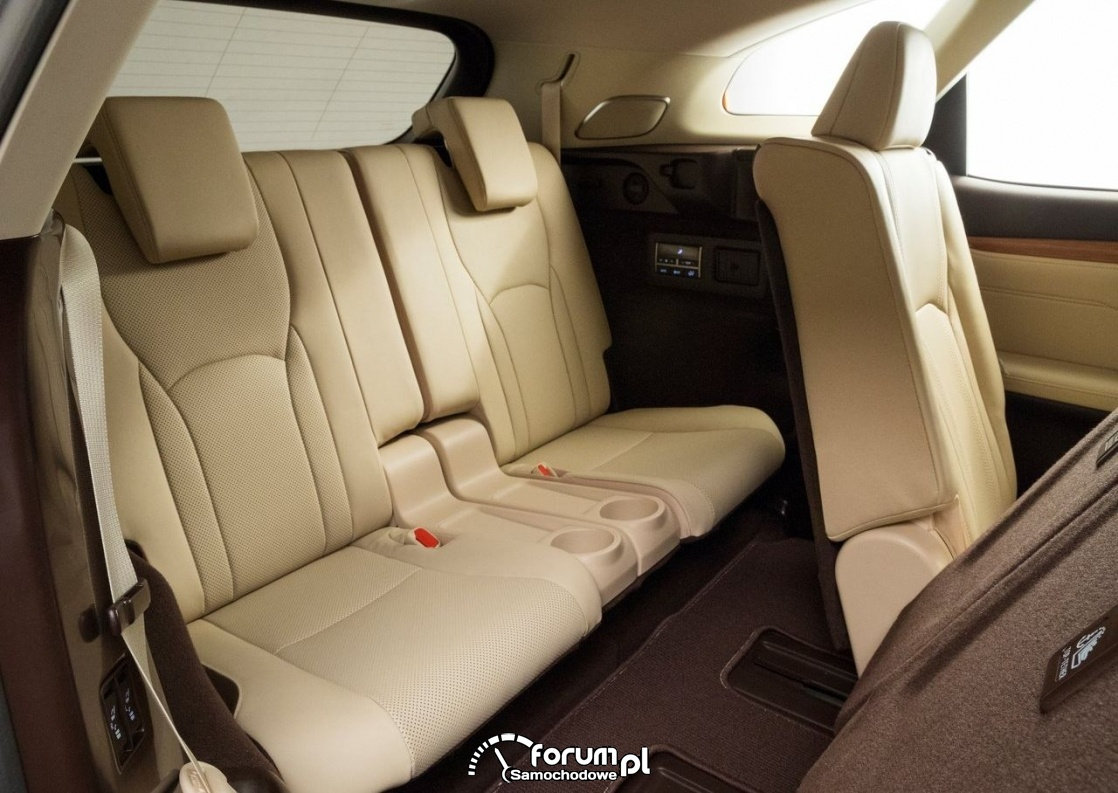 Lexus RX L - 7-miejscowy SUV klasy premium, trzeci rząd siedzeń
