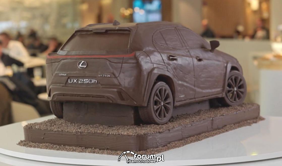 Lexus UX 250h, samochód z czekolady