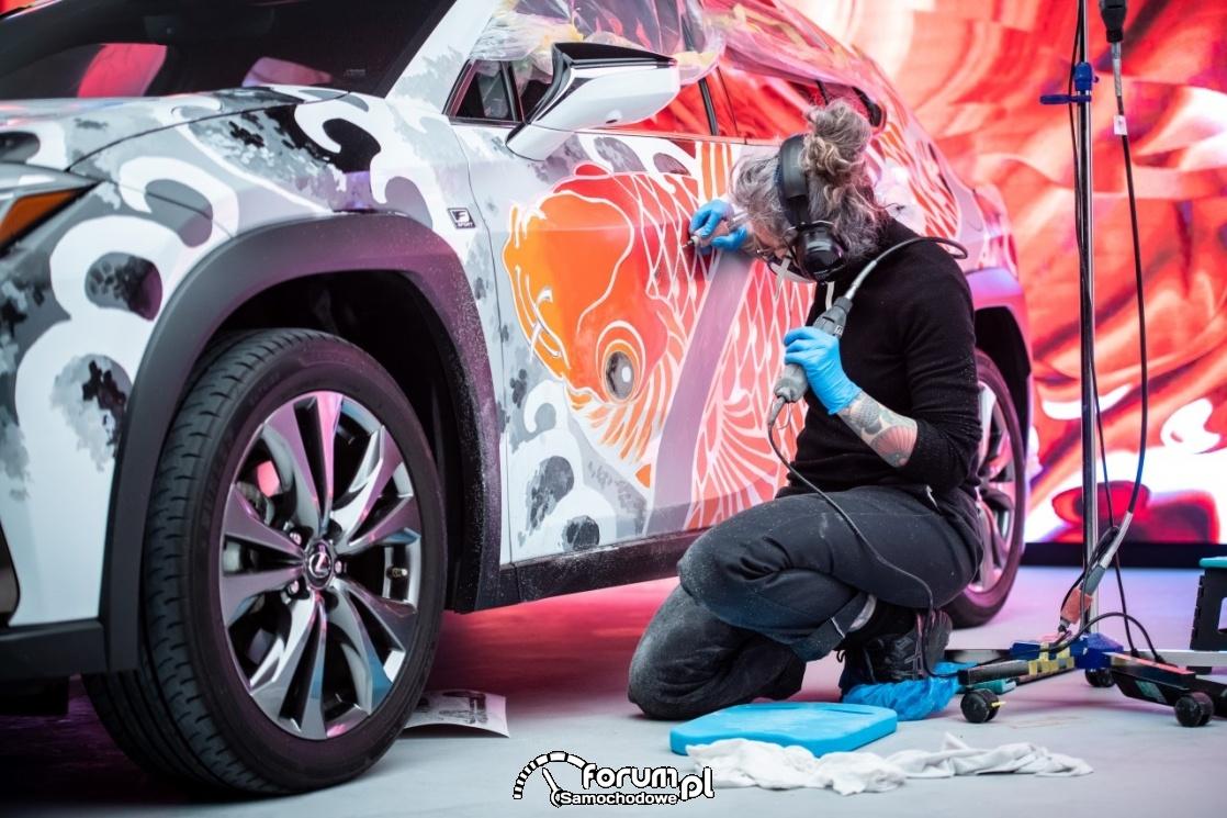 Lexus UX - tattoo, szlifowanie