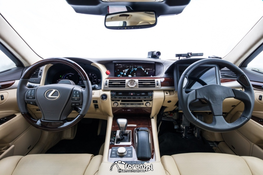 Doświadczalny samochód autonomiczny Lexusa