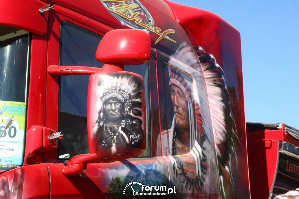 Kabina ciężarówki z aerografią indianina