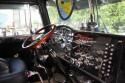 Wnętrze kabiny ciężarówki z przed kilkunastu lat