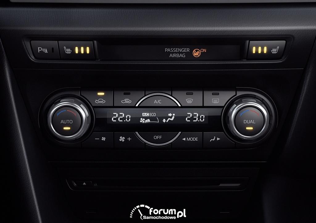 Mazda3, 2013, wnętrze, panel sterowania klimatyzacją