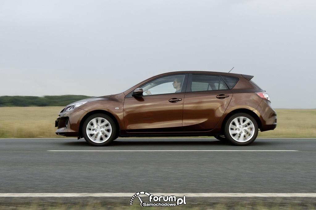 Mazda3 Facelift, Hatchback, bok, 2011