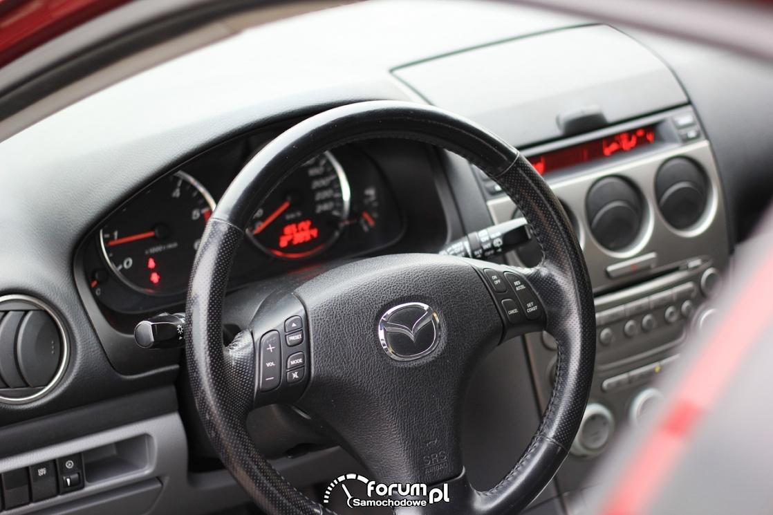 Mazda6, 2.0 diesel 136 KM, 2003 rok, kierownica wielofunkcujna i deska rozdzielcza