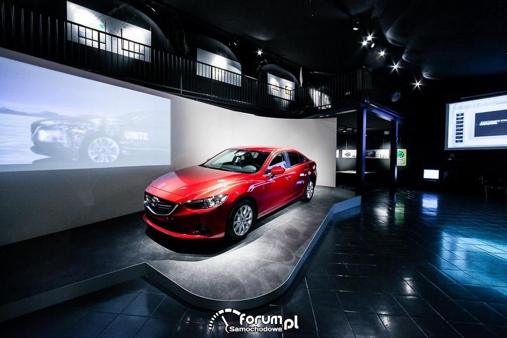 Tydzień Designu w Mediolanie, Mazda6