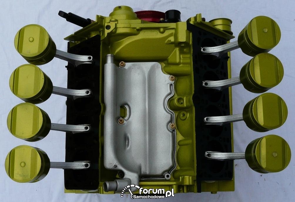 Stolik V8 Audi