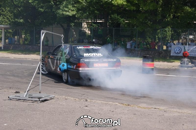 Drift Mercedes V12