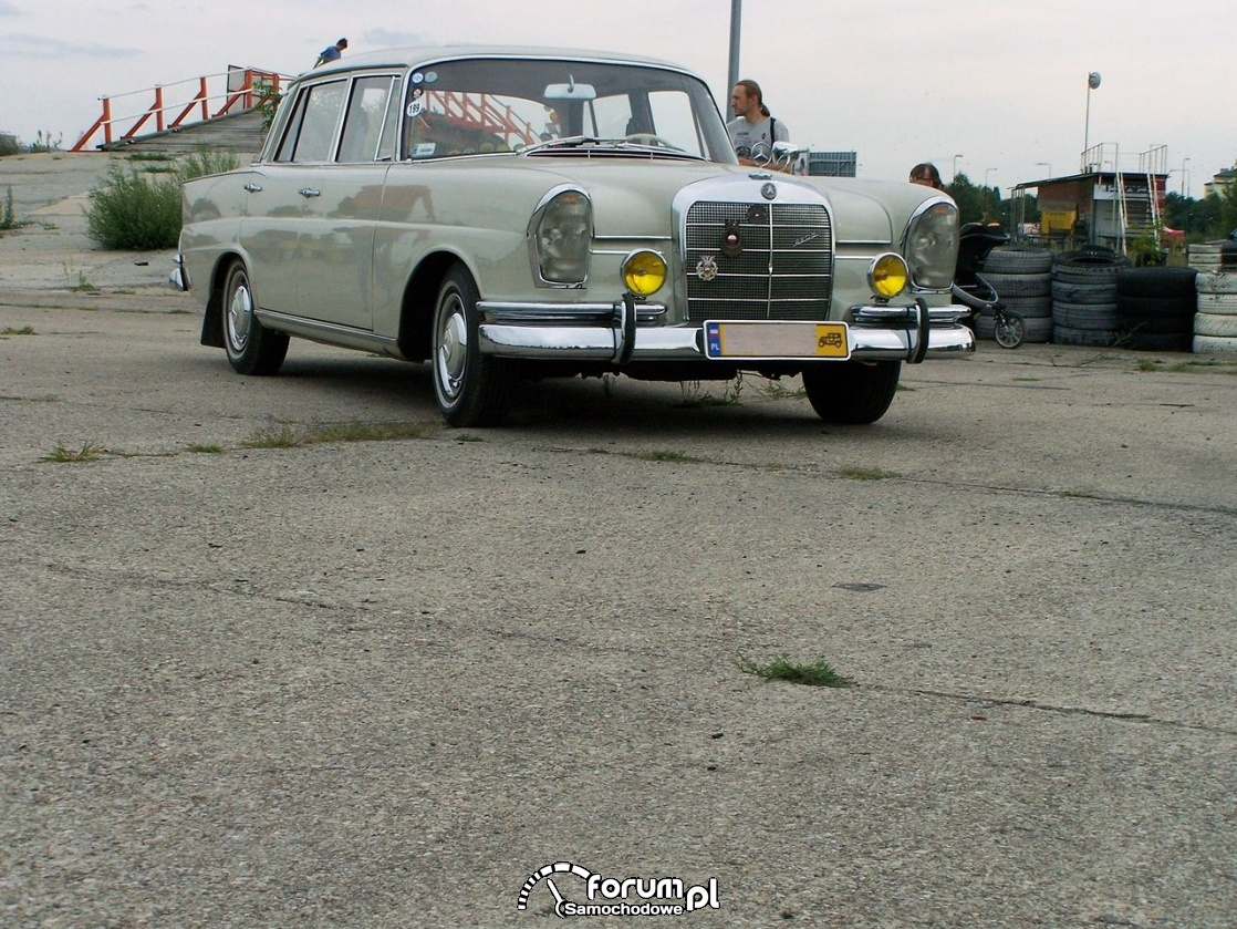 Mercedes-Benz 190 fintail, 1970