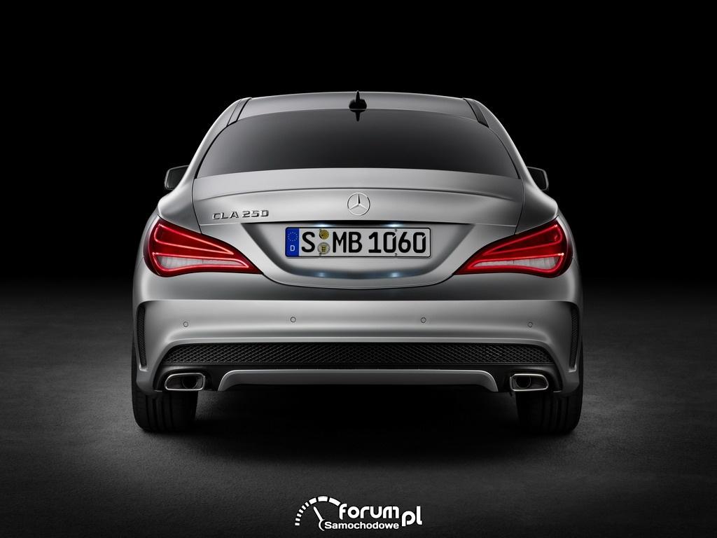 Mercedes-Benz CLA, tył