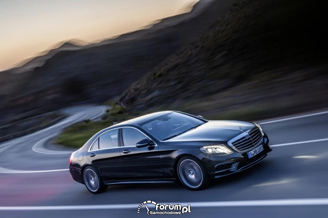 Mercedes-Benz S Class W222, podczas jazdy