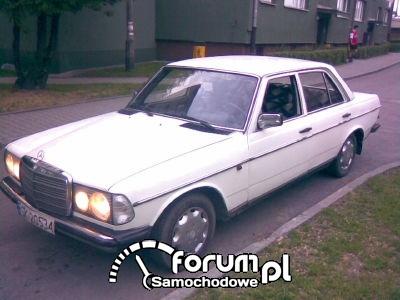 Moje W123 z1978roku