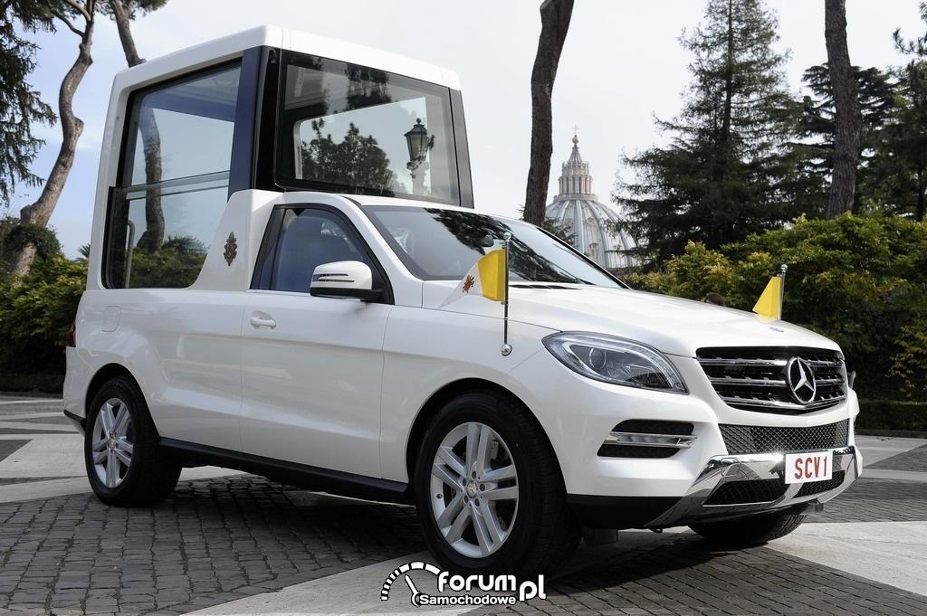 Nowy papamobile Mercedes-Benz dla papieża Benedykta XVI