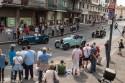 Zabytkowe samochody w mieście