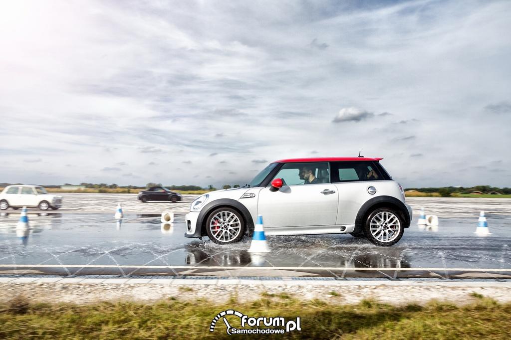 MINI Driving Experience - wielkie emocje w małym samochodzie