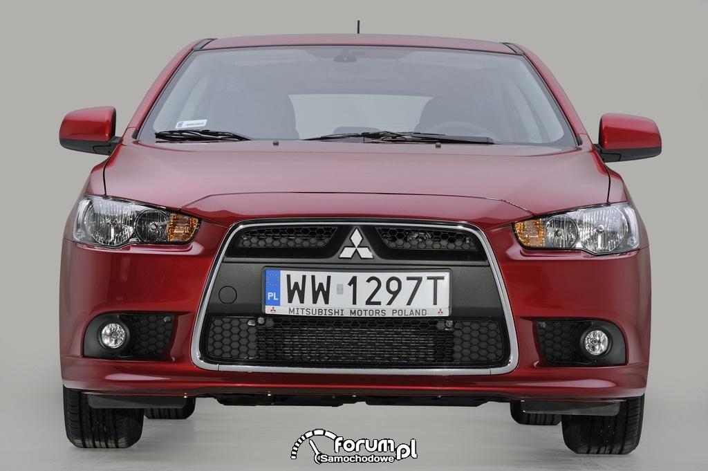 Mitsubishi Lancer 2012, przód