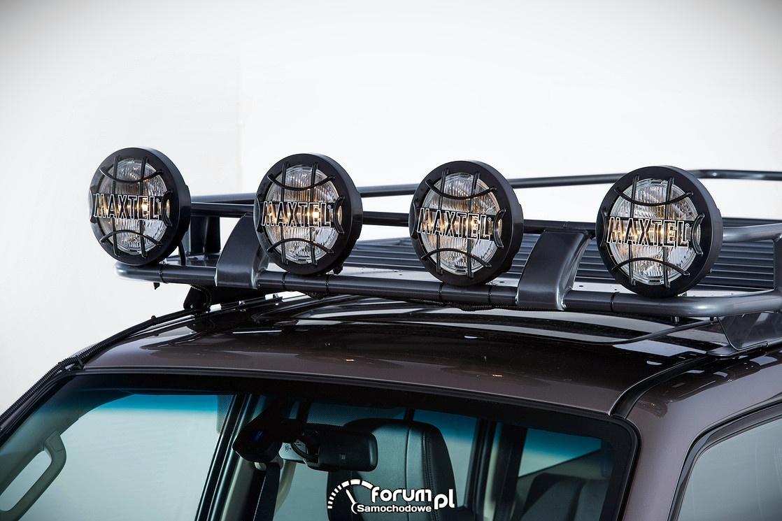 Mitsubishi Pajero 2015, halogeny na dachu