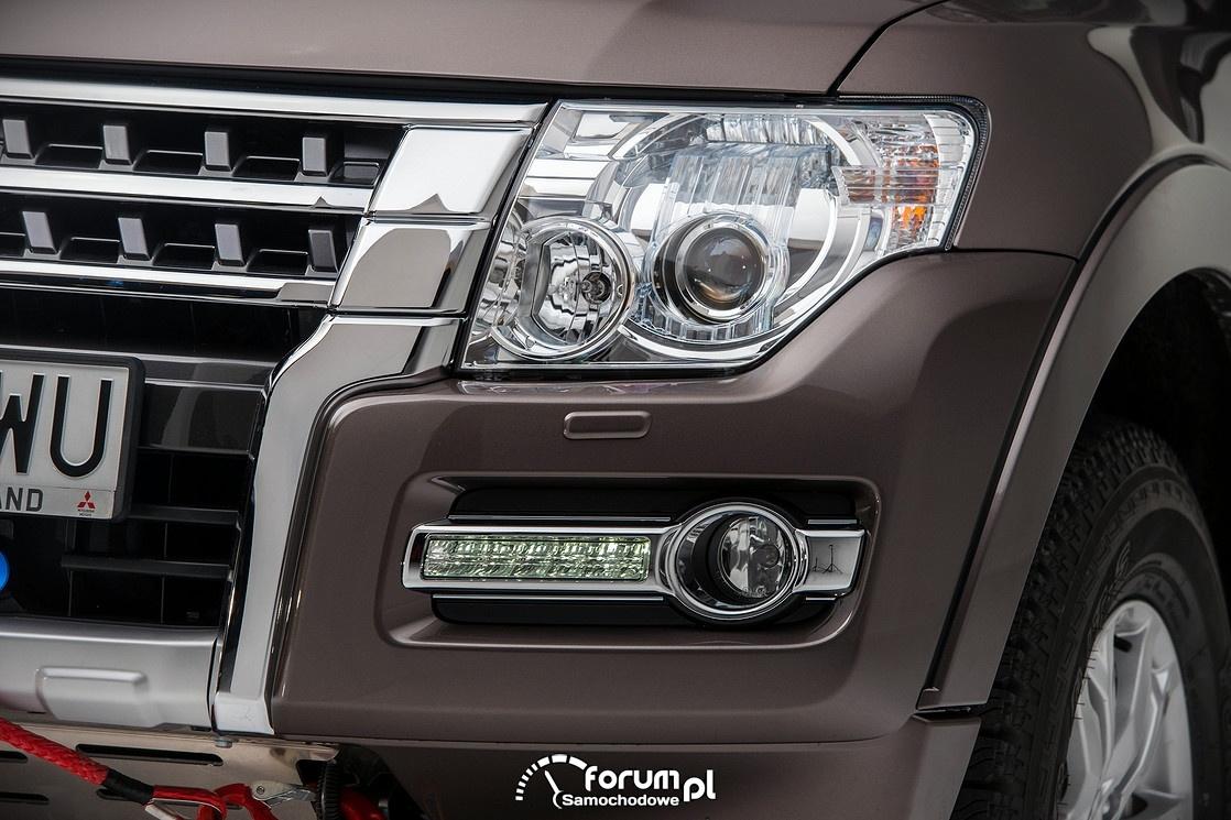 Mitsubishi Pajero 2015, przednie lampy i światła LED