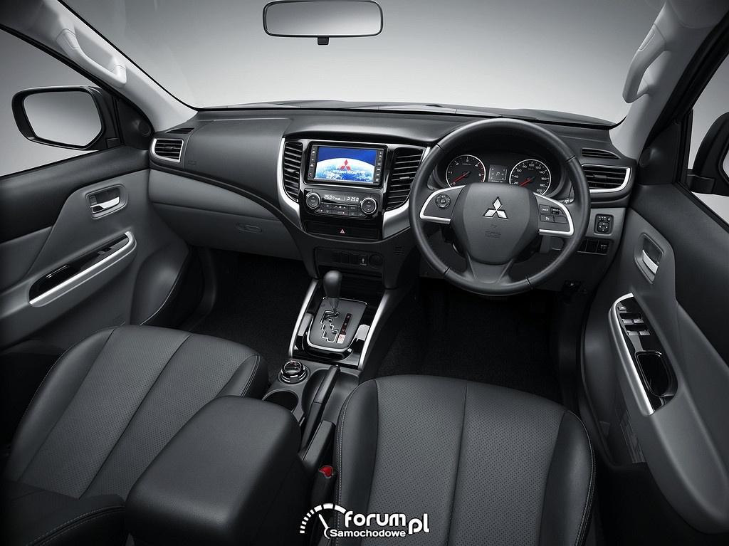 Mitsubishi Triton, wnętrze, deska rozdzielcza