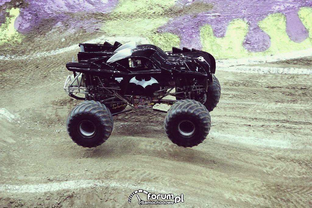 Batman - Monster Truck, 3