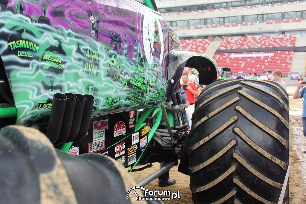 Grave Digger - Monster Truck, wydech