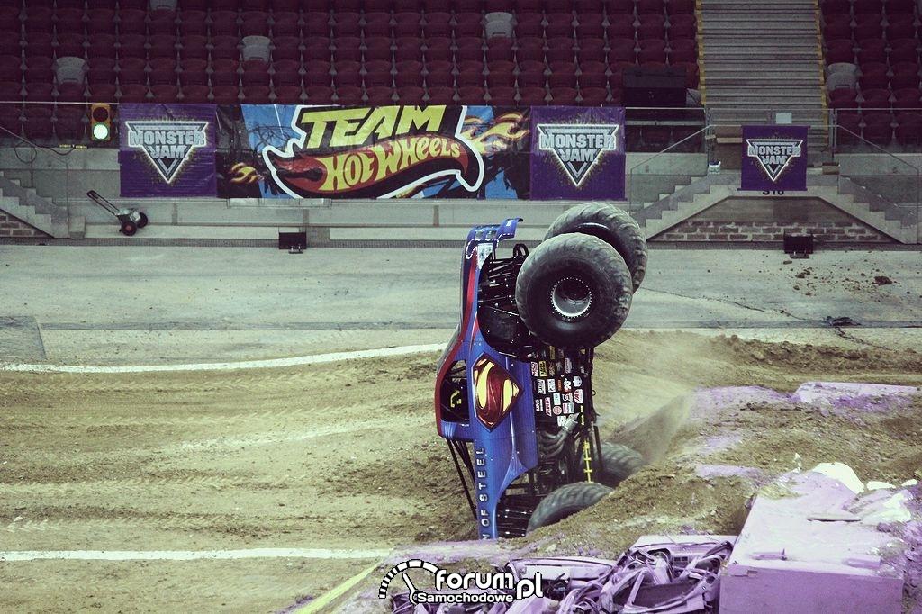 Man of Steel - Monster Truck, 11