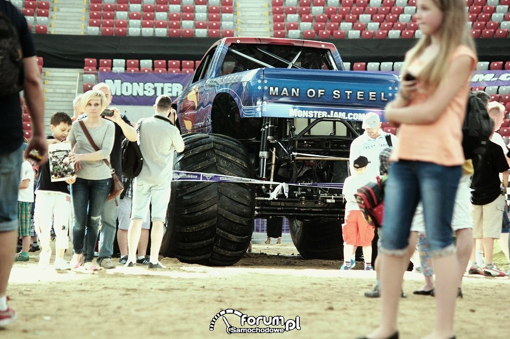 Man of Steel - Monster Truck na Pit Party, 2
