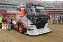 STW Drift Team Volvo FM12, przód