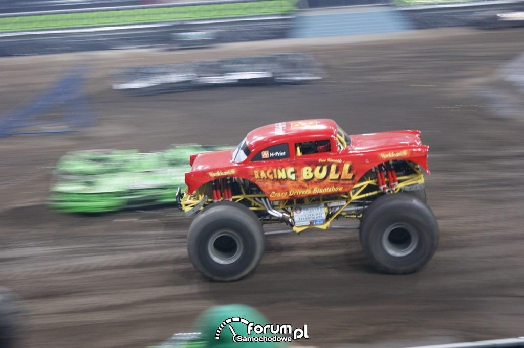 Monster Truck Raging Bull, 10