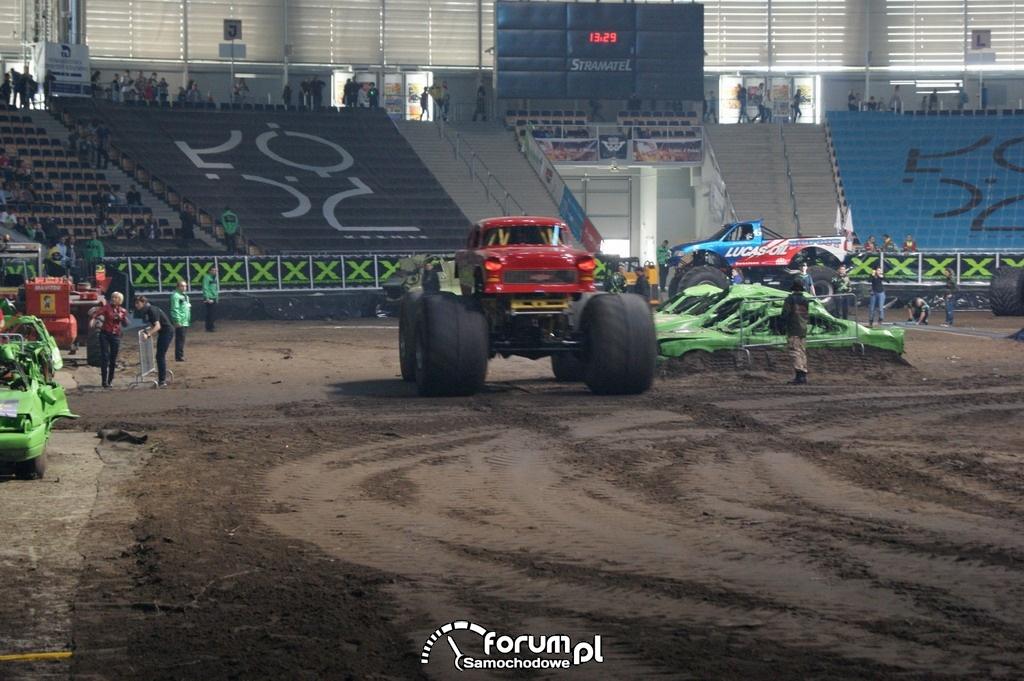 Monster Truck Raging Bull, 5