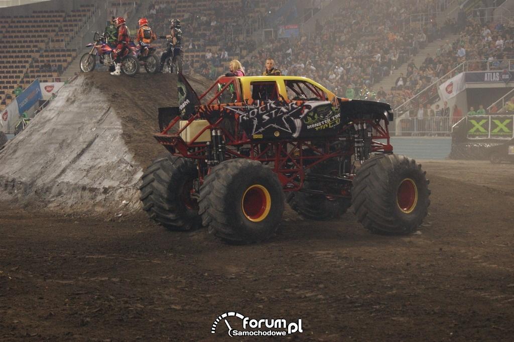 Monster Truck Rock Star, 10