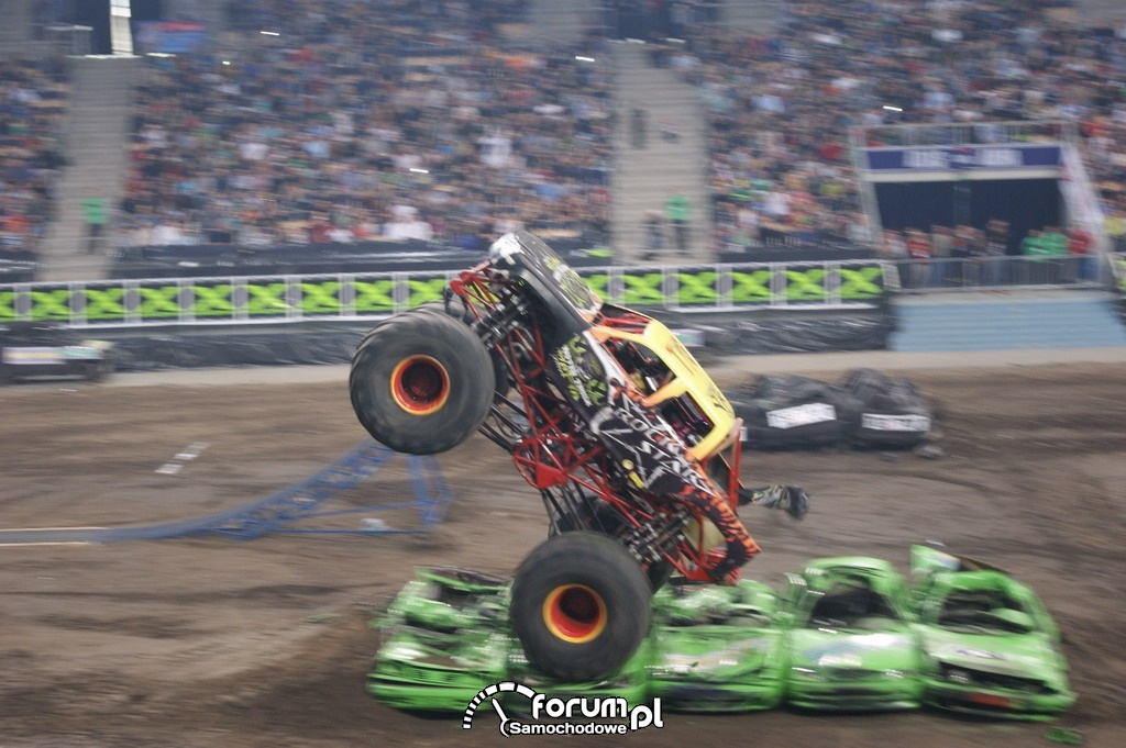 Monster Truck Rock Star, podczas skoku