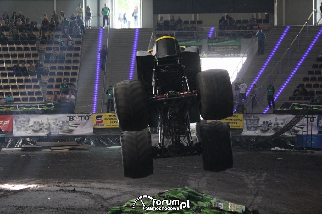 California KID - Monster Truck, podczas skoku