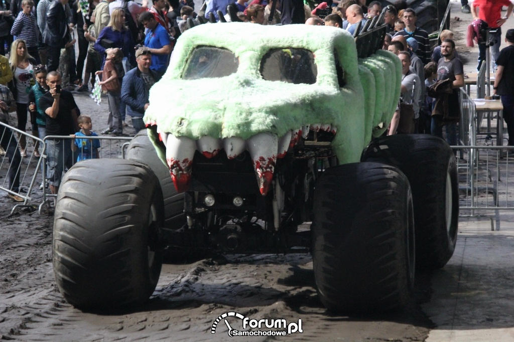 Monster Truck do przewozu ludzi, 2