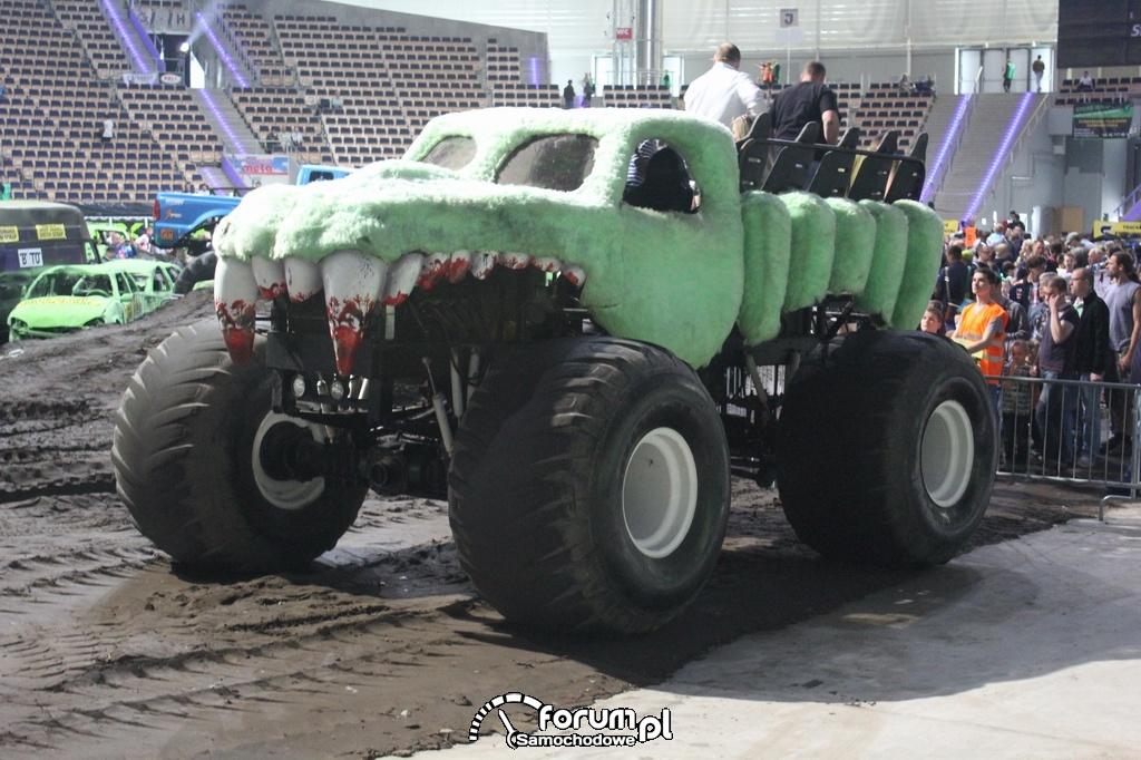 Monster Truck do przewozu ludzi, 3