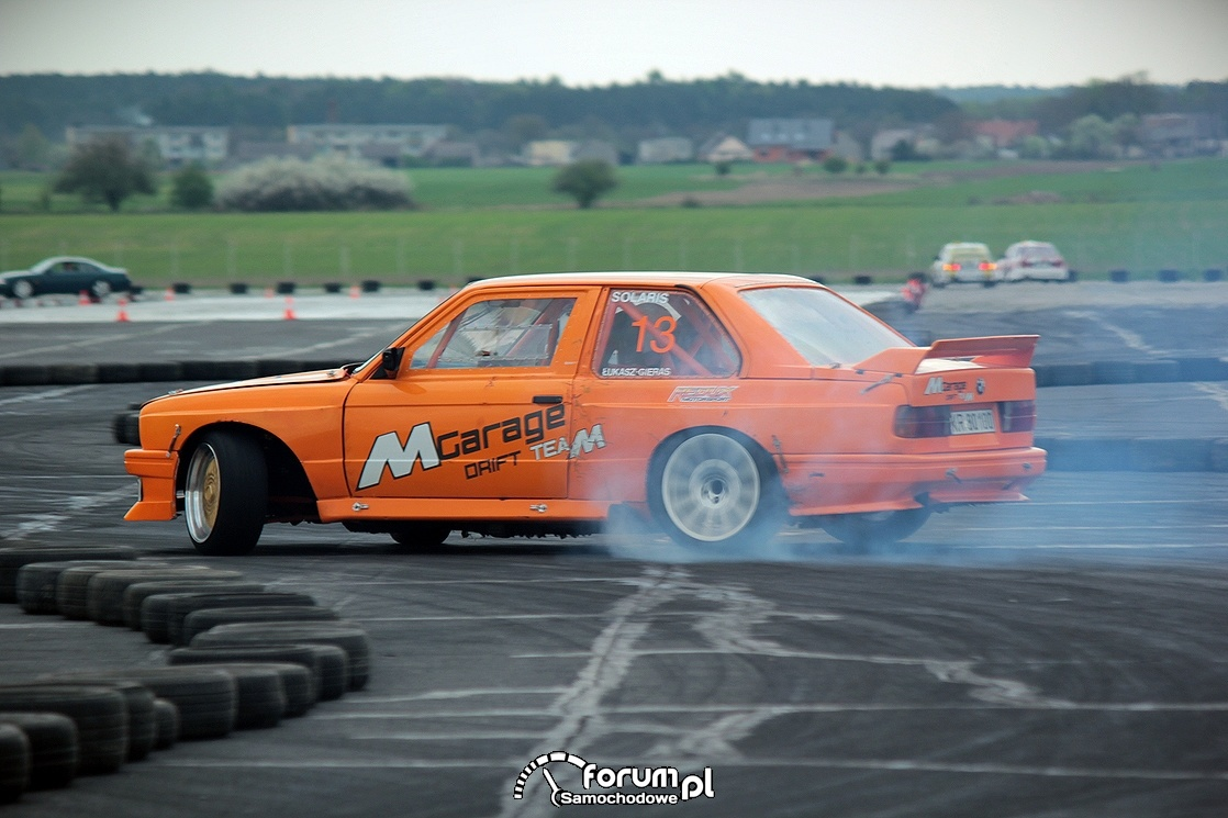 Drift, BMW E30, MGarage