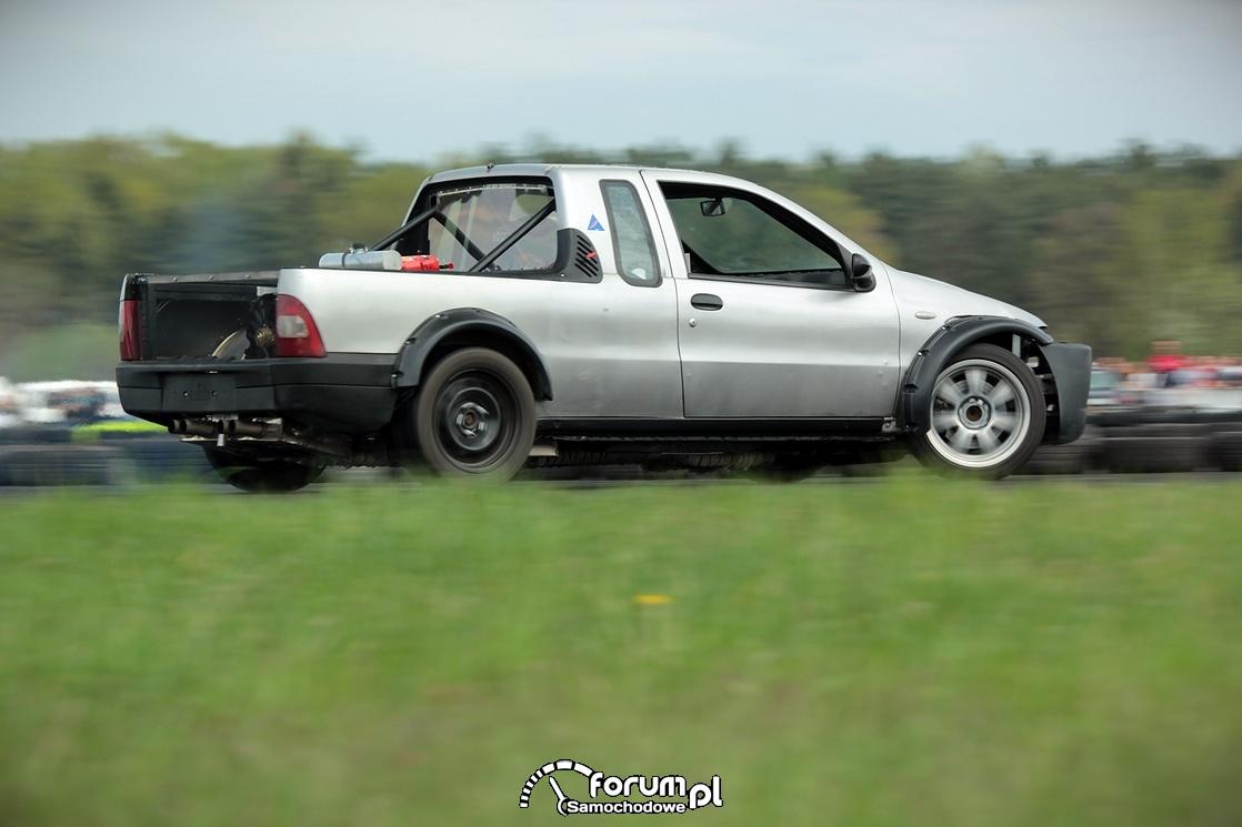 Fiat pickup, drift